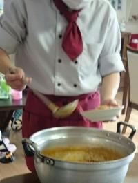 大きなカレーの鍋